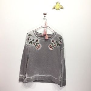 Lucky Brand gray floral embroidery sweatshirt 0103